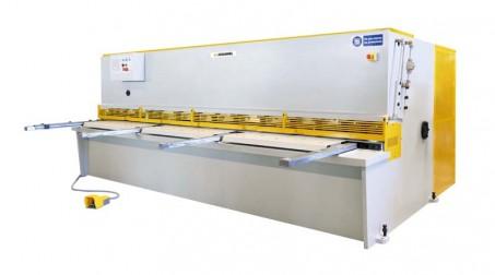Cisaille hydraulique, 2 M x 4 mm, butée AR électrique 900 mm, contrôle numérique