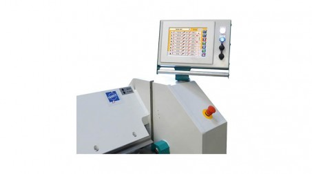 Commande numérique à écran tactile (incluant la butée arr électrique et cycle au - Zoom CN