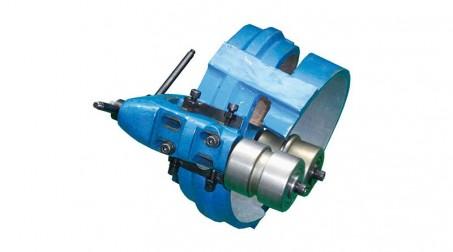 Machine pour gaines spiralées Ø 1250 mm avec contrôle numérique et coupe auto. - Tete formage