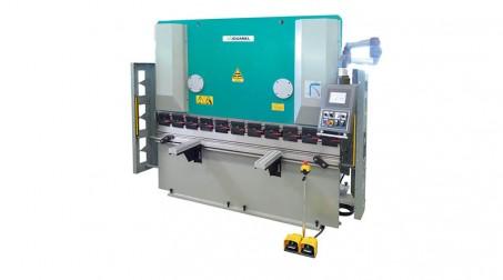 Presse-plieuse hydraulique 1,1 ml - 30 tonnes avec outils
