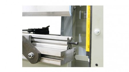 Presse-plieuse hydraulique 1,1 ml - 30 tonnes avec outils - Multives_50T