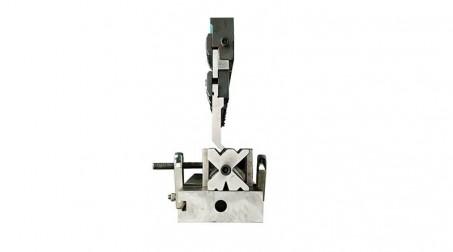 Presse-plieuse hydraulique 1,1 ml - 30 tonnes avec outils - Detail Bloc Multive avec poincon