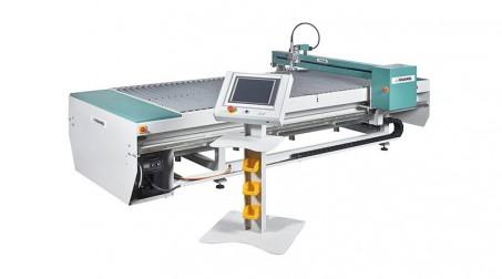Table de découpe plasma 1500x3000mm,source PowerMax 45 Amp, contrôle numérique.