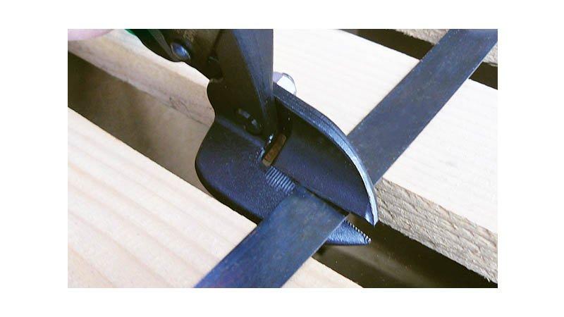 Cisaille bichantourneuse démultipliée pour inox, coupe à gauche, 230 mm - action
