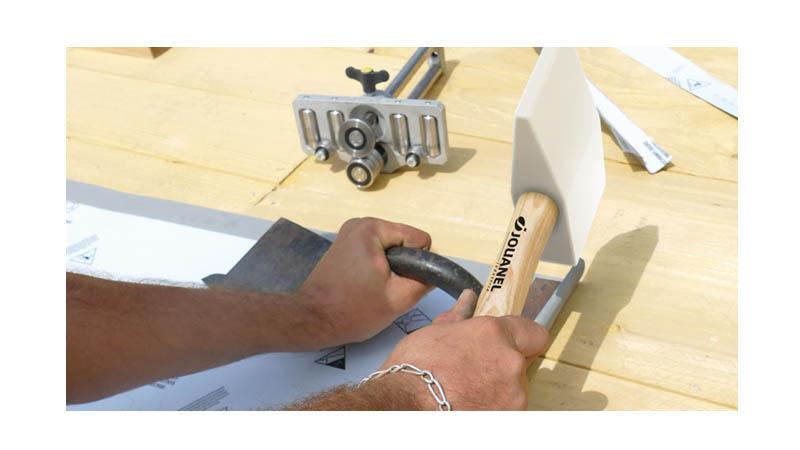 Main de fer avec racloir 25 mm, largeur 140 mm - action