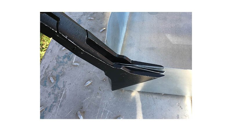 Pince à border triangulaire, 100 mm, profondeur 100 mm - action1