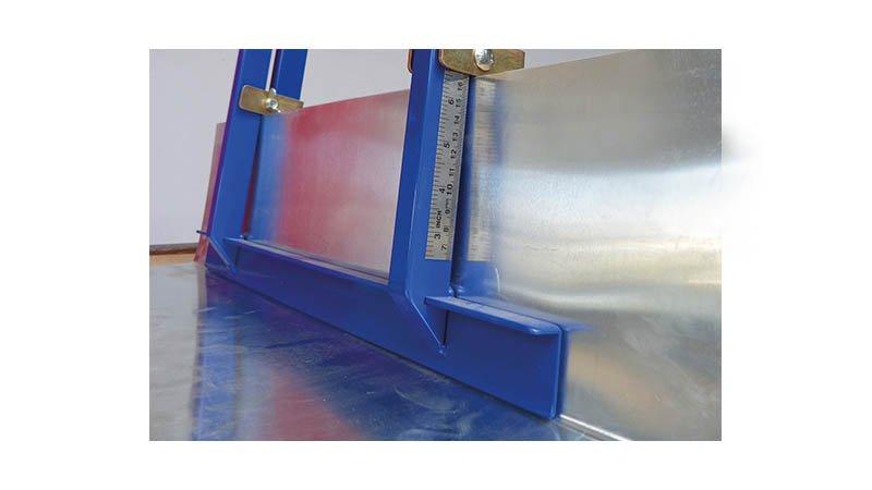 Plieuse légère à chéneaux 500 mm - action