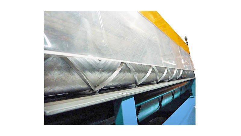 Raidisseuse croisée - 2 ml - acier 1,5 mm - sortie tole profilee2