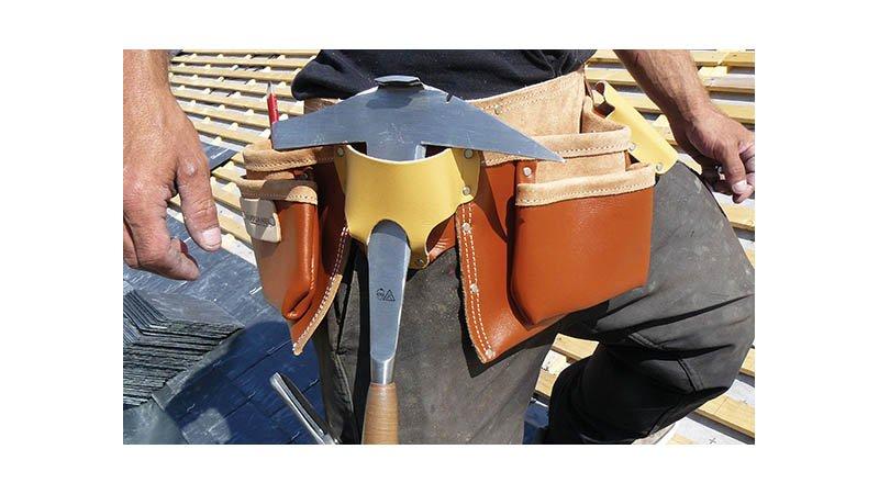 Tablier américain cuir QS avec ceinture, 6 poches et 5 porte-accessoires - action